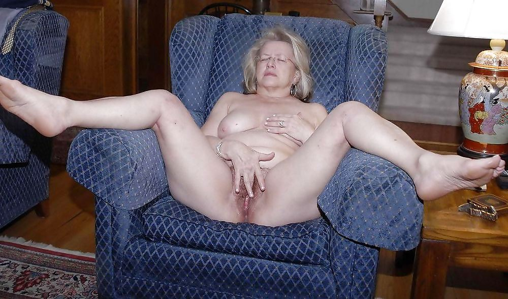 Lovley granny masturbates porn photo online